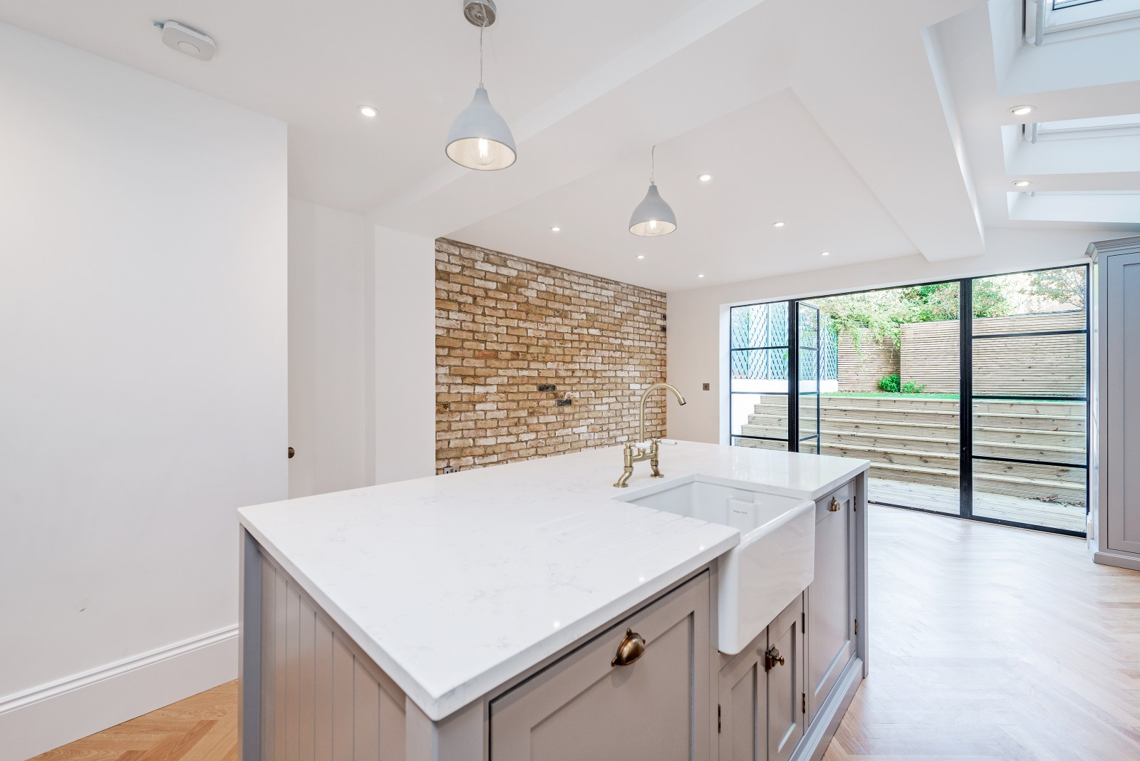 Wandsworth Bridge Road, SW6 - £850,000