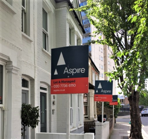 Zoopla has released its list of most searched rental hotspots in London, with SW6 and SW11 making the top 10.   We already know that living in South West London is something special and now the results of new research has confirmed everyone else thinks SW London is desirable too.